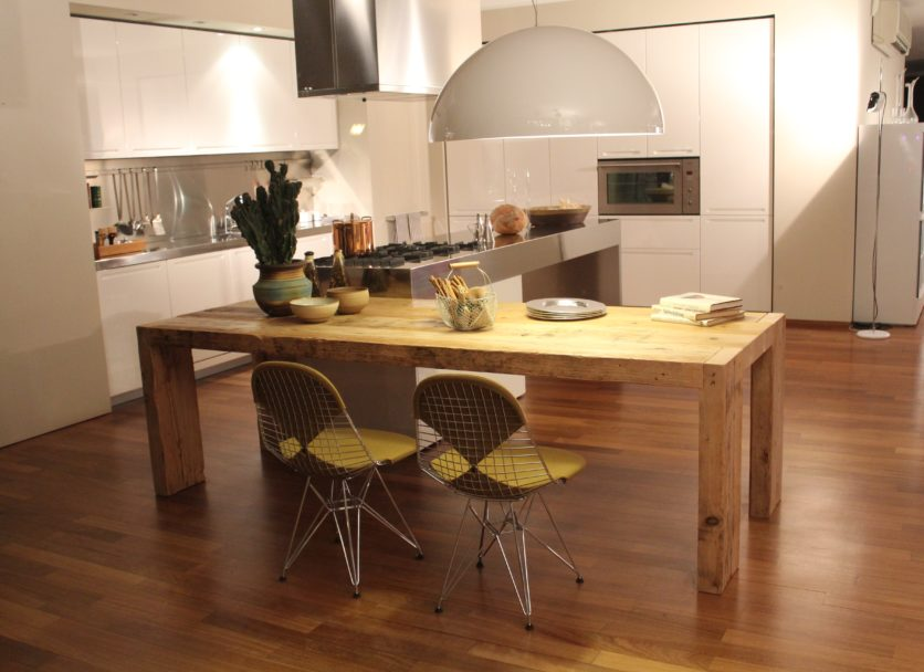 table-wood-house-floor-interior-home-816902-pxhere.com
